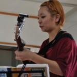女性シンガー 阿部さんによる弾き語りライブ